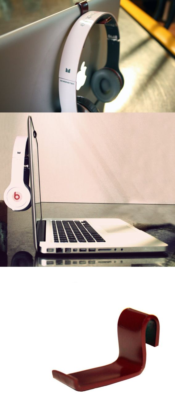 KANCHA is the ultimate accessory for your MacBook PRO. Made of sturdy methacrylate, this hook lifts one of the most used accessories (headphones) when work or play with your computer.