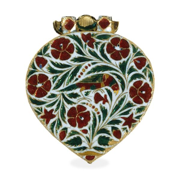 Reverse side:    From India  ~    A jewelled flying bird:  The reverse of the pendant also depicts a bird, perched among leaves and flowers, executed in flat champlevé enamel. Mughal jewelled pendants are usually decorated with enamel on the back, even though this side was not intended for display. The sides of this pendant are also decorated in champlevé enamel, and depict golden birds in flowering trees, against a blue enamel background.