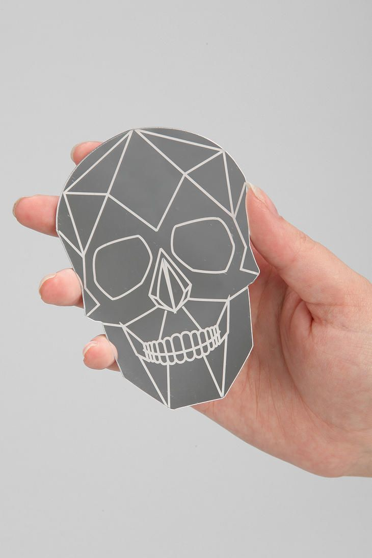 Simple skull tattoo designs - Make A Geometric Skull Tee To Wear All Year Round Check It Out At Mintedstrawberry