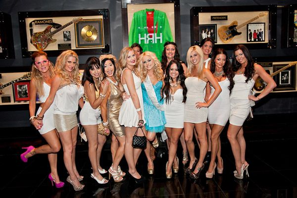 25 Ways To Throw An Awesome Bachelorette Party