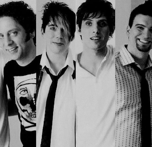 And this is the band I am absolutely in love with. Josh, Matt, Mike and Ian. They changed me. In a good way. I love them, I really do.