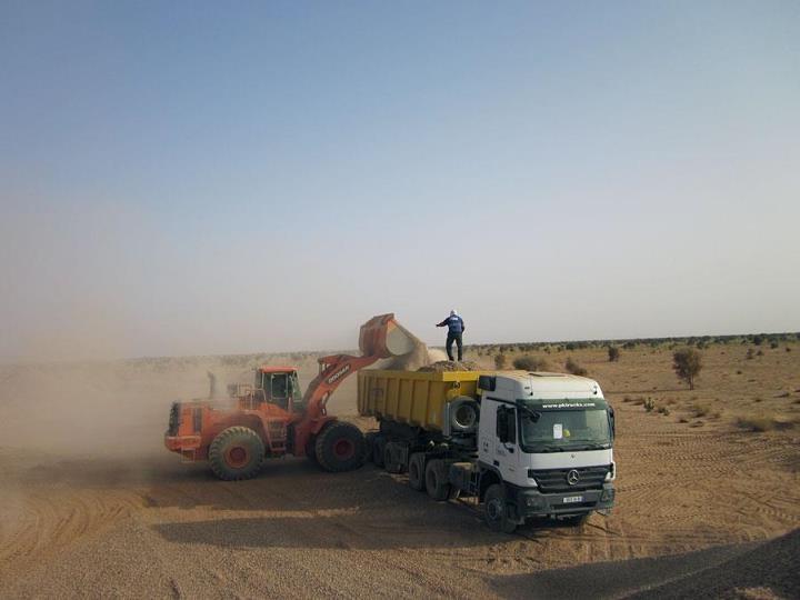 vehicles at work in Mauretania