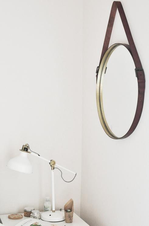 1000 id es sur le th me miroir suspendu sur pinterest miroirs suspendus art d 39 accrossage et. Black Bedroom Furniture Sets. Home Design Ideas