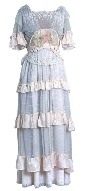 1910s Ethereal Ivory-White Lace and Watercolor Rose-Garden Silk. Via Timeless Vixen Vintage.