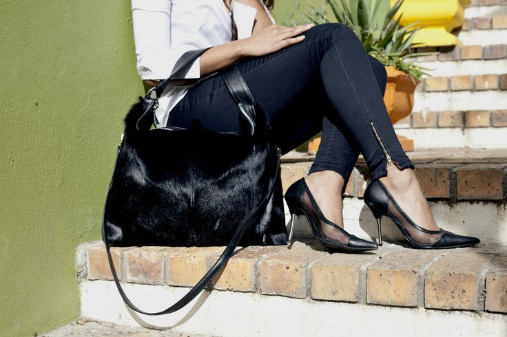 Black Springbok Odette Bag #jennifermiddletonbags #luxurydesignerbags www.jennifermiddletonbags.com