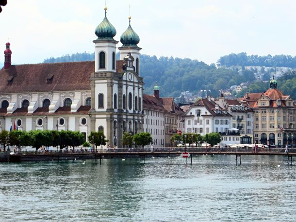 48 Hours in Lucerne, Switzerland • Endlessly Exploring I loved it here. Good food and beer