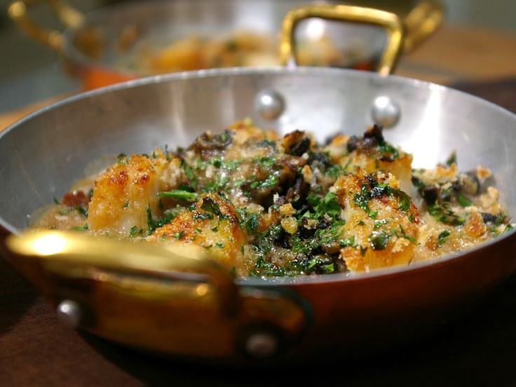 Coquilles Saint Jacques from CookingChannelTV.com - Laura Calder French Food at Home<3