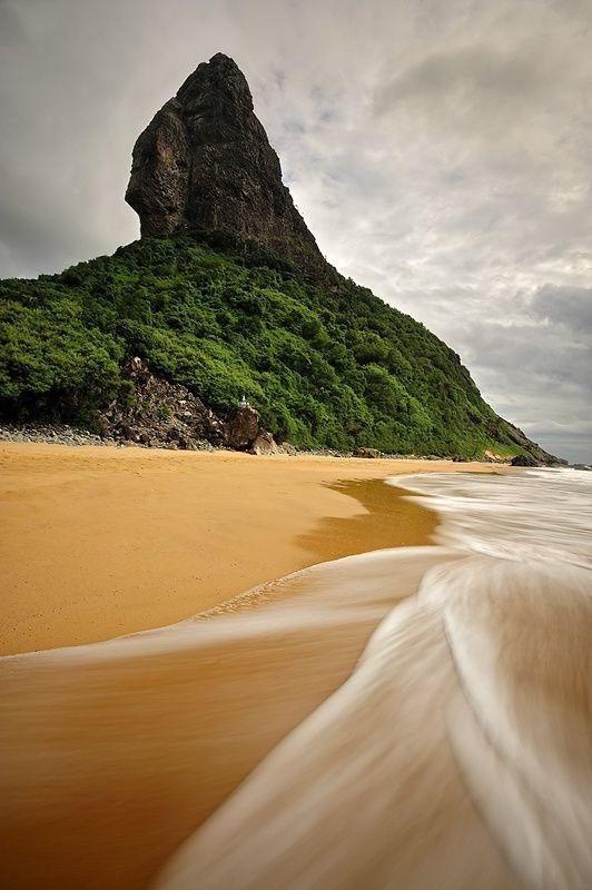 Fernando de Noronha Island, Brazil. Eu etou feliz que no proximo ano eu estou indo para o Brasil!