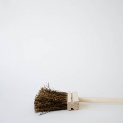 This traditional stiff bristle broom can be used both indoors and outdoors. In the late 19th century, a small brush manufacturer called Iris Hantverk started out in Stockholm. It was a movement so successful that it remains today. Now, every brush is made by hand by visually impaired craftsmen. It brings a new dimension to …