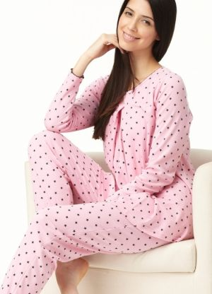 If you're going to be awake at 3am, then you should be warm and comfortable! So snuggle up in these starry patterned maternity pjs - the perfect maternity sleepwear for every pregnancy. • Will go the distance through your pregnancy, breastfeeding and beyond.• Center Front Opening, allows for simple breastfeeding when lying on your side in bed and in the Cuddle Hold positionWashing Tips: Warm Machine wash. Avoid soaking or bleaching.  Colour:Pink/BlueContent: 60%COTTON 40%POLYESTER…