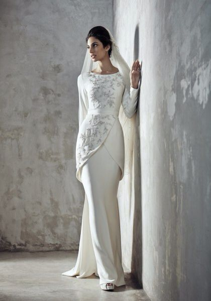 Baju nikah. In love with this silhouette!