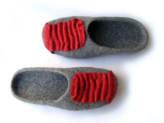 Women house shoes felted wool natural slippers Felted shoes