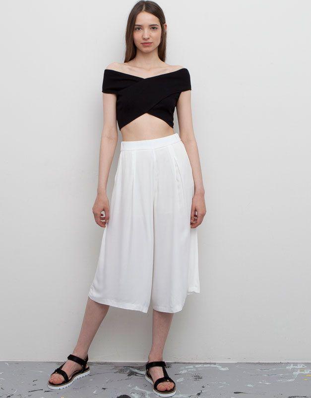 Pull&Bear camiseta crop liso canalé - negro - $199