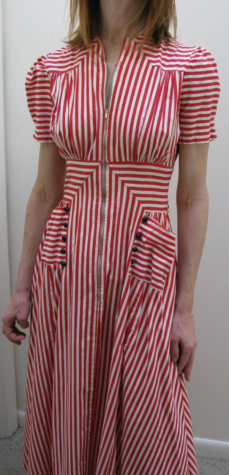 1940s summer striped cotton dressing gown. Great construction, look at the waist & shoulder details.