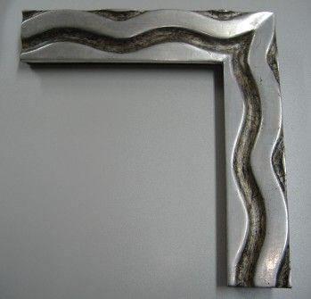 marco tallado a mano dorado con pan de platamarco de una sola pieza