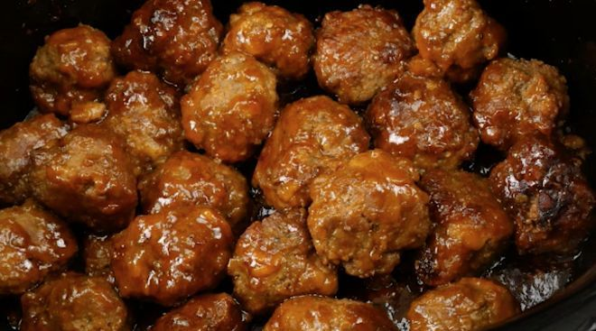 These meatballs are also very easy to make, and you can even prepare all the ingredients the night before and leave them in the fridge for the next day.