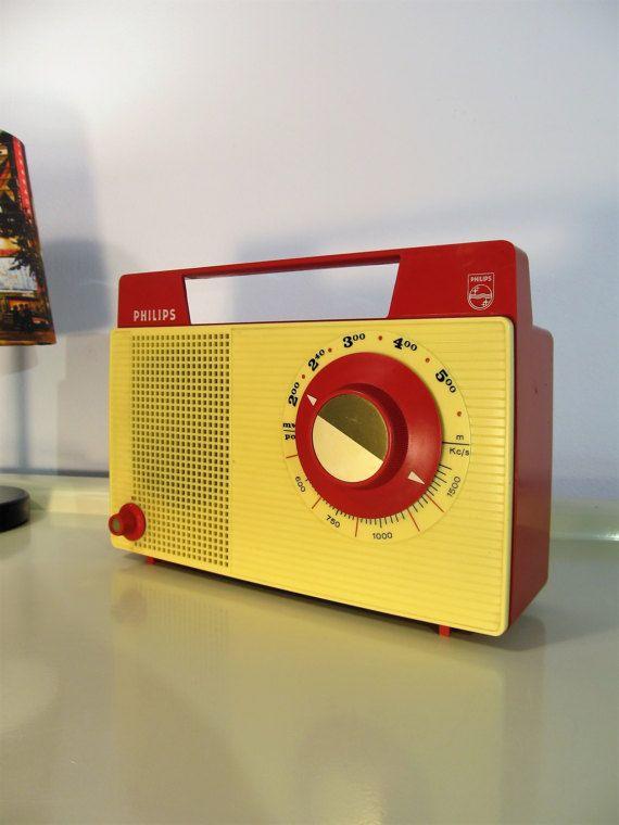 Vintage Radio Portable Radio Retro Transistor Radio by LaLanterne