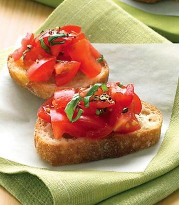 tomato crostini tomato basil pizza bruschetta with tomato and basil ...