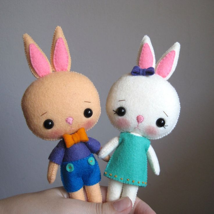 Felt bunnies, BUNNY Pocket pets, made of felt, felt toy, felt bunnies rabbits, felt rabbit, set of 2 by UnBonDiaHandmade on Etsy https://www.etsy.com/listing/464496056/felt-bunnies-bunny-pocket-pets-made-of