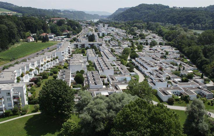 Die Gartenstadt Puchenau ist eine von Roland Rainer ...