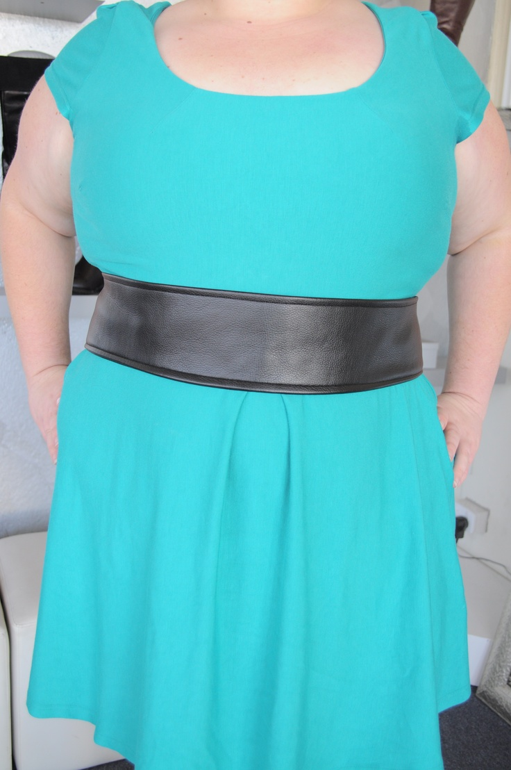 Turquoise and Black - love the colour blocking