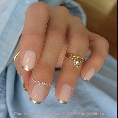 Pink and Gold French Manicure Design Linda a pintura das unhas e belíssimo o anel!!
