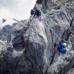 Jangan coba-coba! Gunung Carstensz Bukan Untuk Pendaki Pemula