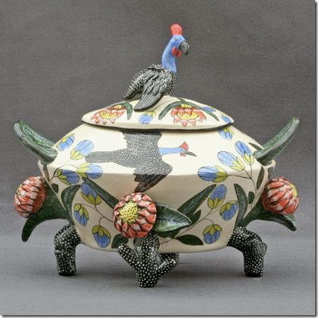 South African artists Beauty Ntshalintshali and Mavis Shabalala (2009). Guineafowl Tureen, 29 x 35 x 28cm.