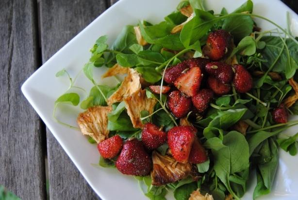 Salade fraise basilic fenouil ananas / fennel pineapple strawberry salad