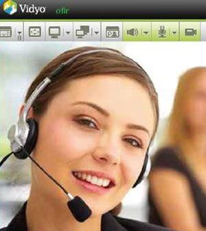 L'interprete simultaneo, con la tecnologia Vidyo è possibile in telepresenza sul proprio PC