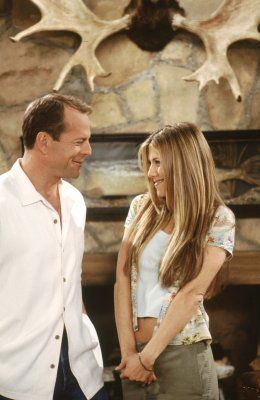 Paul Stevens (guest star Bruce Willis), Rachel Green (Jennifer Aniston) ~ Friends ~ Episode Stills ~ Season 6, Episode 22: The One Where Paul's the Man