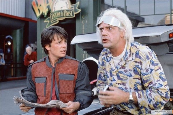 """Майкл  Дж.  Фокс (слева). Земекис  """"Назад  в  будущее""""."""