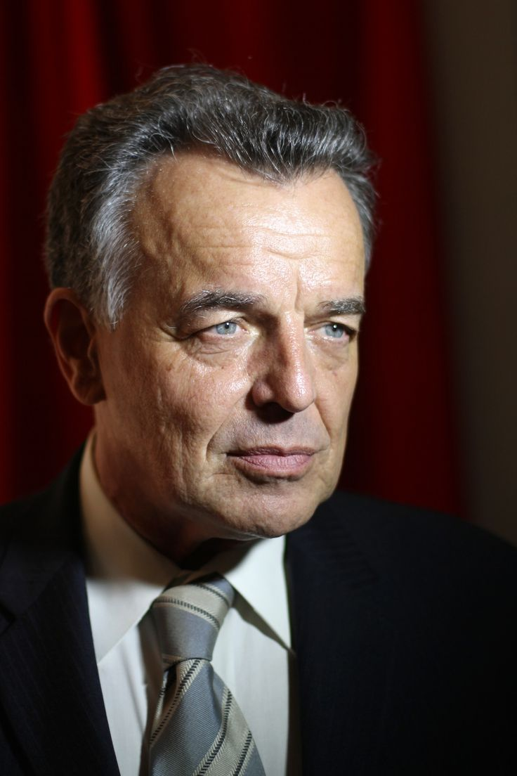 Ray Wise...saw him at a mall in Atlanta and was terrified.