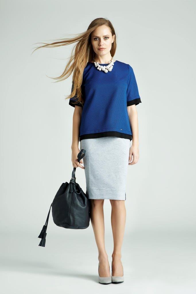 Color blocking nie wychodzi z mody - zawsze możesz zestawić ze sobą 2-3 o ascetycznej formie i w jednolitych kolorach. Niebieski to dobry wybór!  #QSQ #fashion #inspirations #outfit #ootd #look #spring #summer #blue #white #casual #work #elegance #formal #formalwear #top #skirt #minimal #feminine #bag #colorblocking