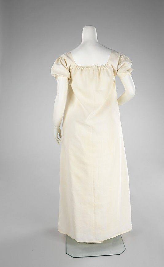 Chemise Date: 1790–1810 Culture: American Medium: linen Dimensions: Length at CB: 52 in. (132.1 cm)