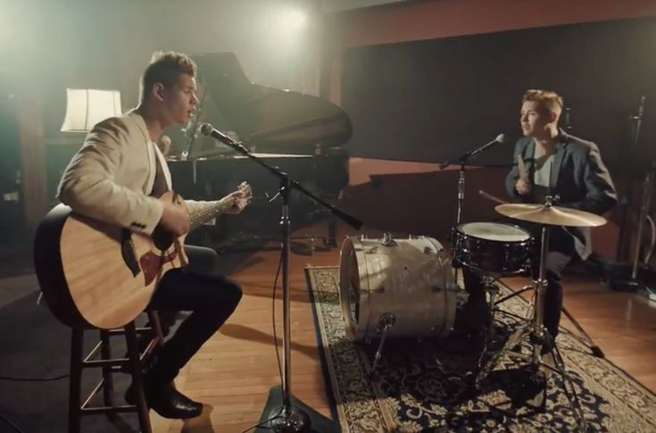 """""""Sunday Morning"""" - Maroon 5 - George Twins Cover"""
