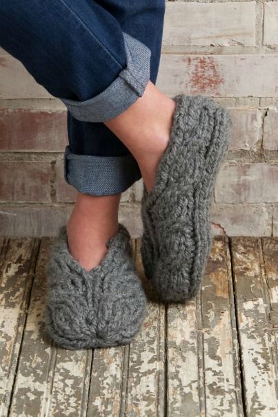 Free Chunky Cable Slippers Knit Pattern Download -- Designed by KCN Design Team. Featured in Season 5, episode 508, of Knit and Crochet Now! TV. Download here: https://www.anniescatalog.com/knitandcrochetnow/patterns/detail.html?pattern_id=30