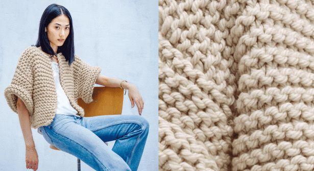 Les débutantes vont enfin pouvoir se tricoter une petite veste et la porter fièrement. Le point mousse, c'est joli et facile et l'assemblage est simple. Tailles : 34-36 (38-40) 42-44 Le ...