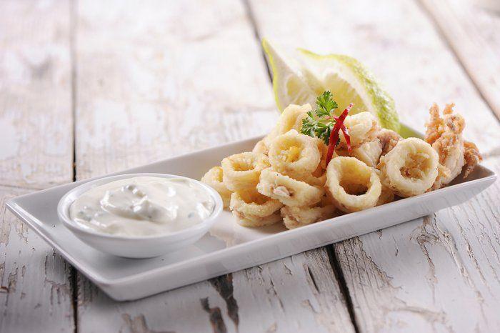 Calamars+frits,+très+croustillants+et+son+aïoli
