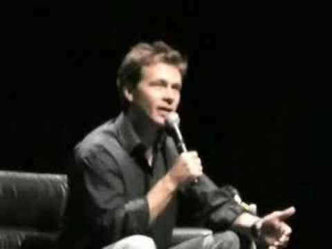 Good old Connor Trinneer from Stargate  having a chat at Auckland Armageddon in 2007