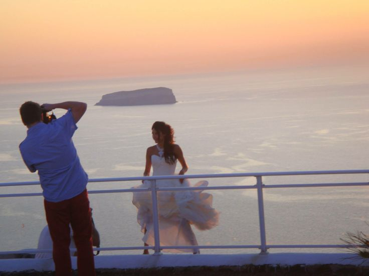 Take the most romantic and stunning photographs on the most important day of your life; your #wedding!