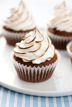 Brownie Cupcakes with Marshmallow Frosting - Cooking Classy