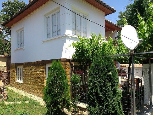 property, house in NOVA VARBOVKA, VELIKO TARNOVO, Bulgaria - 120 sqm house, 1720 sqm garden, 20 km from town Strazhitsa