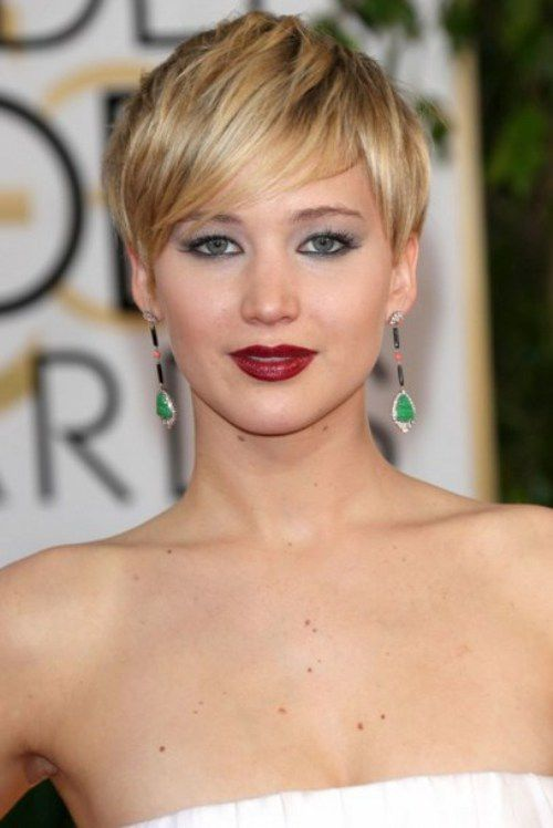 Jennifer-Lawrence-Pixie-Short-Hairstyles-for-Round-Faces-2015