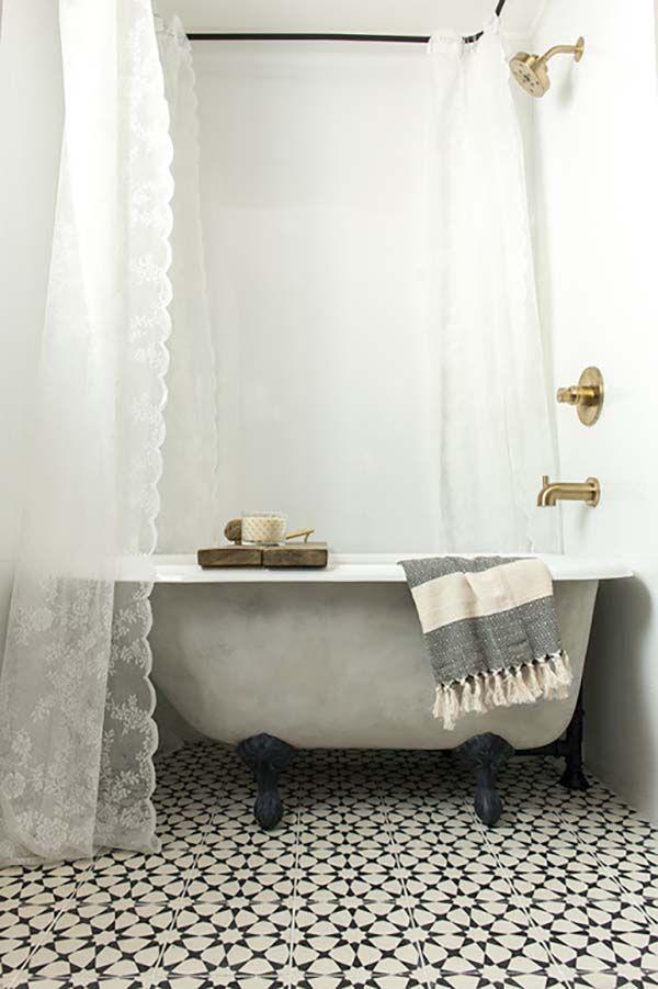 Amazing Bath, Cozy Cottage Farmhouse