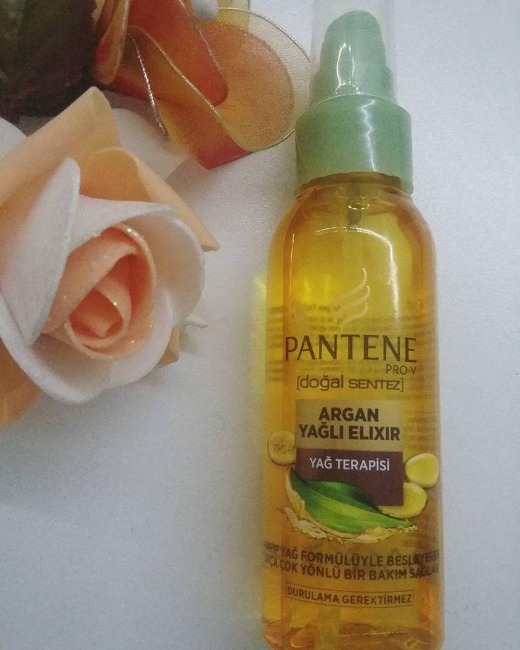 Saç bakım ürünlerimden biri de Panten doğal sentez yağ terapisi. ��Banyodan sonra nemli saçlarıma uyguluyorum. ��Yapısı çok güzel hemen dagiliyor ve hemen kuruyor. ��Özellikle ısı uygulamasından sonra yıpranan ve kırılan saç uçlarınız varsa birebir • • • • • #blogger #blogezgii #pantene #doğalsentez #parlak #saçlar #saç #bakımı http://turkrazzi.com/ipost/1522024658286672622/?code=BUfUVzYj_ru