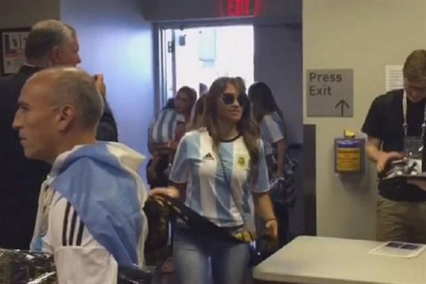 Antonella llega al estadio MetLife