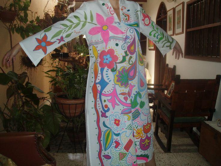 Vestido pintado en acrilico