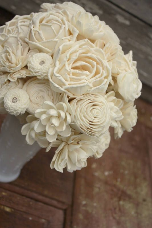 Sola flower bouquet, eco flower wedding flowers Beautifully natural sola wood flower bouquet perfect for your wedding day. This bouquet is full of a variety of sola blooms creating so much texture and uniqueness. Some of the stems are wire, and some are natural stems to create an
