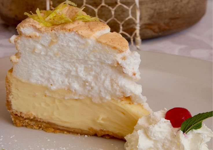 "The Cape Discovered on Twitter: ""A decadent, sumptuous and oh-so-good South African treat.  Lemon meringue pie is a true SA taste experience. https://t.co/gHY45MHWUz"""